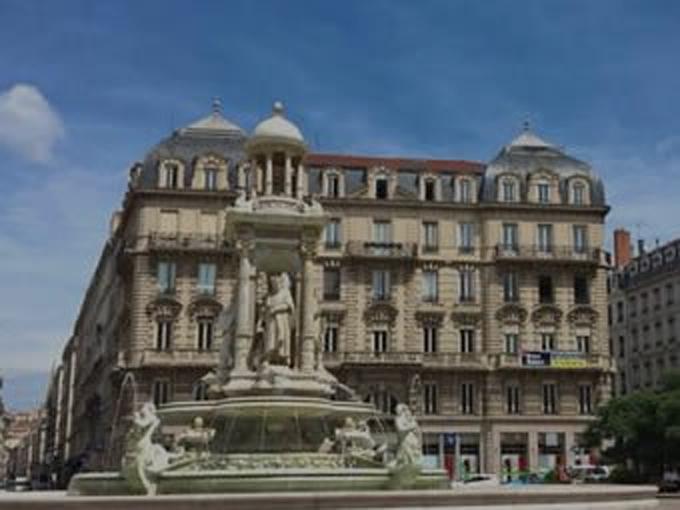 Location voiture Lyon centre